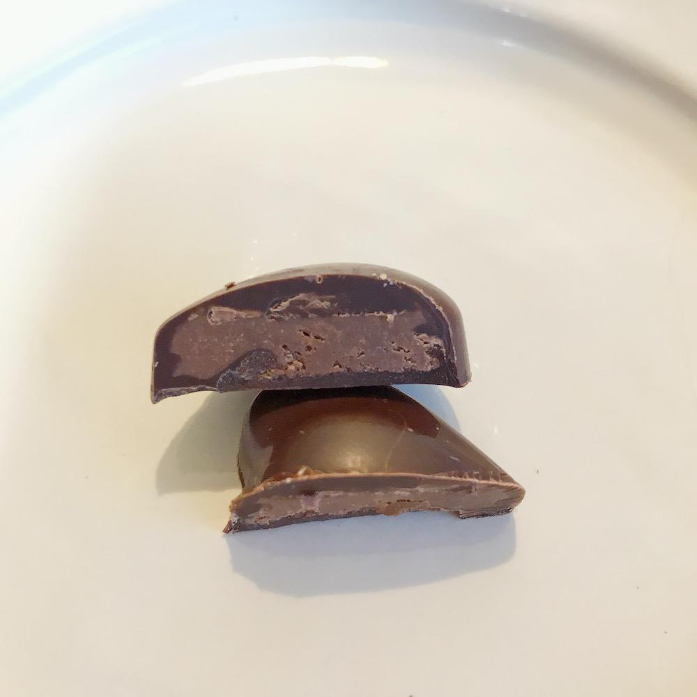 ダークチョコレートガナッシュの中身