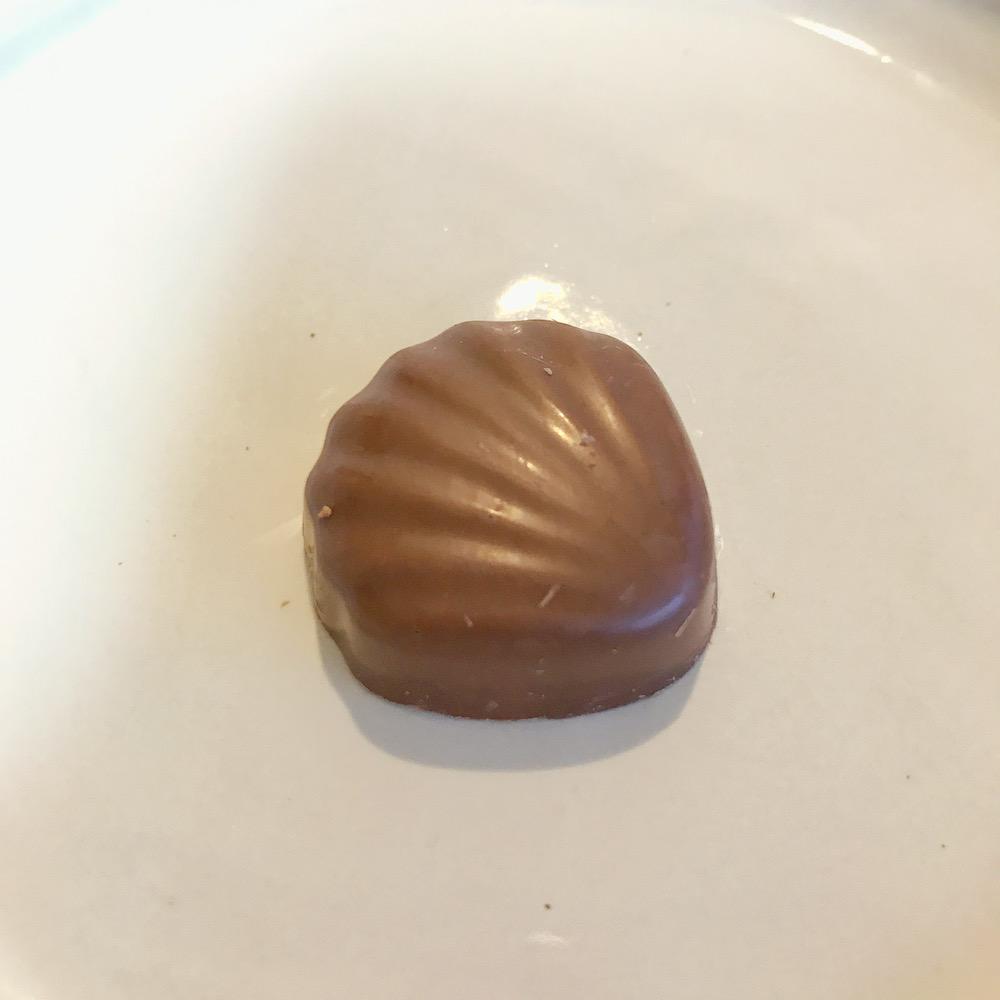 ミルクチョコレートヘーゼルナッツ